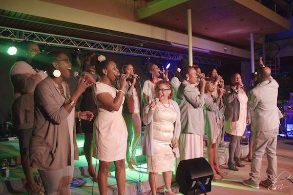 Gospelgroep G-Project, onder leiding van Leo Davelaar.