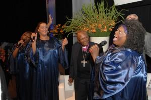 Joyful Ispirations met welkomstlied voor-Desmond-Tutu